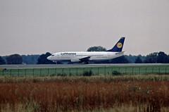 1991 Berlin SXF Lufthansa Express Boeing 737 D-ABEP (rieblinga) Tags: berlin sxf flughafen schönefeld start lufthansa express boeing 737 1991 analog canon eos 100 revue dia e6
