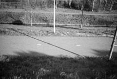 \ | (selyfriday) Tags: selyfriday wwwnassiocomempty nassiocom olympusxa1 xa1 olympus 35mm analogue film rodinal 1100 20˙c kodaktm z3200 kodak 3200iso expired shotat400 tmz3200 nederland netherlands holland dutch zaandam cross diag onal zaans lamppost