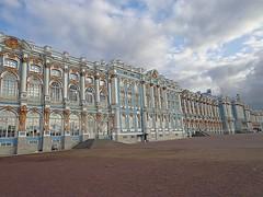 RUSSIA - Residenza estiva di Caterina II (cannuccia) Tags: paesaggi landscape russia architettura finestre colonne archi virgiliocompany