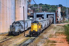 With one of the ADMX SW14's down for maintenance, RSSX helps unload cars on the other end of the yard. (GeorgiaRailfan31602) Tags: agriculture loading unloading grain adm yard railroad usa georgia rssx railserve admx industrial train gp8 sw14 emd