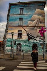 Une histoire de traversées (Jean-Marie Lison) Tags: eos80d sigmaart molenbeek passagepiétons façade fresquemurale streetart bruxelles