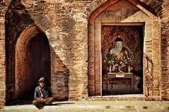 Bagan, Myanmar (ValterB) Tags: people temple buddha colour colors building architecture sun sunlight nikkor seasia asia nikon nikond90 valterb burma myanmar travel brick stone