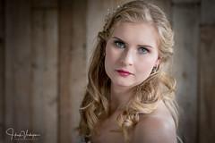Debbie (Henk Verheyen) Tags: grave nl nederland netherlands susanvanbrakel binnen bride bruid indoor shoot studio debbie natuurlijk licht natural light