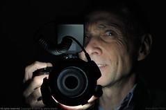 Autoritratto (ironmember) Tags: autoritratto selfie ringflash reverseringflash rf270 apemanringlight 85mm 85mmmicronikkor nikond90 manolibera specchioaffumicato immaginerovesciata rotazioneorizzontale micronikkoredvrii giochidiluce ritrattoretratto madeiphoto