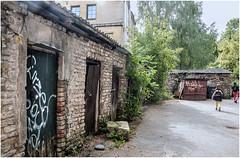 207-SALIENDO DE UZUPIS- VILNIUS - LITUANIA - (--MARCO POLO--) Tags: rincones curiosidades ciudades barrios