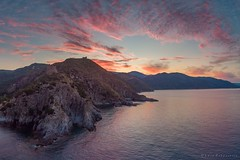 Pinkish Punta del Telegrafo (Luca Zappacosta) Tags: ascea campania italy it puntadeltelegrafo alba dawn summer sunrise mare sea scogliera cliffs