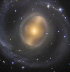 AM 0619-271 (geckzilla) Tags: hst hubble spiral galaxy dust panstarrs barred 15446 propid15446 arpmadore