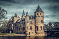 Kasteel de Haar 2019 (EBoss Fotografie) Tags: kasteel castle haarzuilens utrecht nederland netherlands texture painting canon soe twop supershot art light shadow dehaar clouds water sky tower holland nederlandvandaag architecture