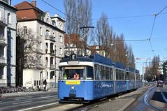 P-Zug 2005/3004 kurz vor der Schleife an der Münchner Freiheit (Bild: Klaus Werner) (Frederik Buchleitner) Tags: 2005 3004 fahrschule linie23 liniee munich münchen pwagen schnee strasenbahn streetcar tram trambahn