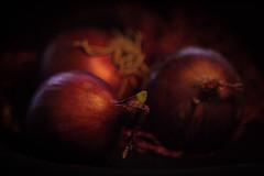 Red Onions (ursulamller900) Tags: tessar2850 extensiontube 12mm makroring smileonsaturday threesame onions zwiebeln red rot bokeh