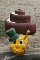 Schönen Sonntag! :-) (alf sigaro) Tags: leitz leica leicaflex leicaflexsl leitzelmaritr2890 elmaritr2890 elmarit elmaritr leitzwetzlar badenwürttemberg spielplatz spielgerät schnecke