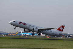 HB-IOH Airbus A321-111 Swiss (FokkerAMS) Tags: airbusa321 swiss hbioh