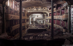 Teatro Balconi (trip_mode) Tags: abandoned decay urbex urban exploration exploring trip derelict trespassing ruined room hallroom theatre
