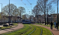 Langs de Lijn: Hortus in tegenlicht (Peter ( phonepics only) Eijkman) Tags: amsterdam city combino gvb tram transport trams tramtracks trolley spring lente voorjaar rail rails strassenbahn streetcars nederland netherlands nederlandse noordholland holland