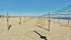 La plage ...The beach ... (jmollien) Tags: plage beach sand sable parasols ombre shadow perspective algarve portugal océan atlantique structure