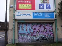 PA 0752 / Space Invader (Archi & Philou) Tags: spaceinvader pixelart streetart romainville mosaïque mosaic carreau tiles autoroute highway disquette shutter rideaumétallique