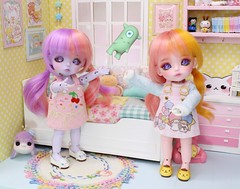 The Monster Hunters and Grum #5 (Arthoniel) Tags: rhyme riddle monsterhunter lati latidoll latiyellow sbelle happy pink purple diorama nereapozo keera dollhouse roombox miniature tiny collection toy doll bjd bud balljointeddoll figure rement aimerai monster pastel
