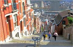 Montagne de Bueren, Liège, Belgium (claude lina) Tags: claudelina belgium belgique belgië liège ville city escaliers stairs montagnedebueren rampe maisns houses