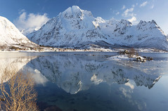 a beautiful winter morning (yan08865) Tags: snow sky lofoten mountains travel water lake lanscape pavlis mountain norway nordic arctic winter river nature wide photographers canon waterfront beauty earth calm le
