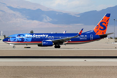 Sun Country Airlines | Boeing 737-800 | N820SY | Las Vegas McCarran (Dennis HKG) Tags: suncountry suncountryairlines scx sy aircraft airplane airport plane planespotting canon 7d 100400 lasvegas mccarran klas las boeing 737 737800 boeing737 boeing737800 n820sy