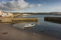 Millport Harbour (Romeo Mike Charlie) Tags: millport cumbrae ayrshire island firthofclyde water port boat scotland