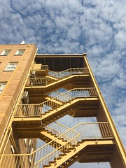 16/365 Look up (retrokatz) Tags: 365the2019edition 3652019 day16365 16jan19 stairs fireescape