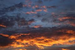 Crépuscule (Guillaume Auberget) Tags: crépuscule coucherdesoleil nuage ciel soleil soir soirée
