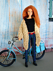 Redhead with bike (Deejay Bafaroy) Tags: modelmuse model04 collection002 fashion barbie doll puppe mattel redhead portrait porträt fahrrad velo bicycle 16 scale playscale miniature miniatur blue blau red rot black schwarz bike