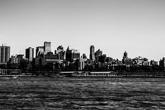New YorkBW0938 (schulzharri) Tags: new york usa city town stadt hochhaus skyscraper black white schwarz weis architektur architecture wolkenkratzer himmel