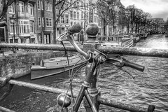 Amsterdam ❌❌❌ (Jos Mecklenfeld) Tags: bw grachten gracht canal canals fiets bicycle bike netherlands noordholland amsterdam