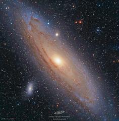 M31 la gran galaxia de Andrómeda, sus galaxias satélite M32, M110 y otras galaxias lejanas. (gerardtartalo) Tags: andromeda galaxy space espacio cosmos universe universo stars telescope