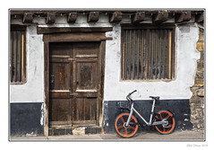 I Want to Ride My Bicycle (Seven_Wishes) Tags: newcastleupontyne canoneos5dmarkiv canonef24105mmf4lisii 2019 jo theclose ne13rf thecooperage building old door window dust dusty bike bicycle wood wooden beams dirty dirtywindows weathered weatherbeaten