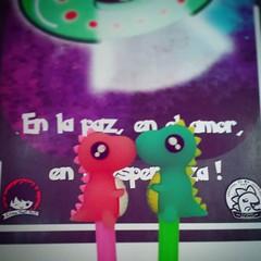 Amor saurino ** #14febrero #valentinesday #love #lovers #pink #dinosaurios #heart #kiss (EliasPostart) Tags: instagram sticker tumblr elias post art iustración dibujo diseño