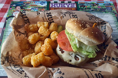 World Famous Huey Burger (Richard Melton) Tags: potato tots hamburger cheeseburger meal hueys memphis tennessee