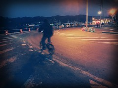 Cycling in the evening light (U-ichiro1003) Tags: street snap iphonese hipstamatic