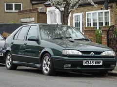 1995 Renault 19 Executive 16v (Neil's classics) Tags: vehicle 1995 renault 19 executive 16v 1764cc car