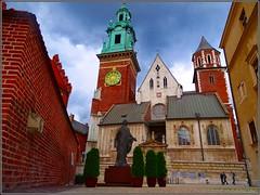 Kraków (Poland)-Cracovia (Polonia) (sky_hlv) Tags: wawelhill wawelcastle colinadewawel castillodewawel wawelcathedral cathedral catedral cracovia kraków krakow poland polonia europe europa templo iglesia church