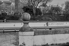 Love is important! (bcgraca) Tags: bw love river couple kiss tag wall garden city aveiro portugal