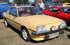 TOO 952R (Nivek.Old.Gold) Tags: 1977 vauxhall cavalier gls auto coupe 2000cc