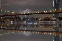 NYC - Impresiones mirando un puente  # 042 (ricardocarmonafdez) Tags: manhattan nyc newyork ciudad city cityscape arquitectura architecture rascacielos skyscraper skyline buildings nikon d850 24120f4gvr ricardocarmonafdez ricardojcf rio river riverscape reflejos reflections puente bridge