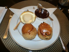 London 008 (c) Helen Nixon (Steve Guess) Tags: cream tea knightsbridge bromptonroad england gb uk