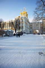 Winter road to the Catherine Palace. (fedoseenko) Tags: санктпетербург россия красота colour природа beauty blissful loveliness beautiful saintpetersburg sunny art shine dazzling light russia day park peace blue white голубой небо лазурный color sky pretty sun пейзаж landscape clouds view mood serene gold colours picture tree nature alley history trees tsar walkway field outdoors old d800 wood cupola building architecture domes town winter snow cloud снег облака архитектура дворец здание freeze frost frosty orthodox religion holy road 24120mmf3556d