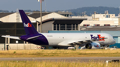 Boeing 757-27B(SF) N916FD Federal Express (William Musculus) Tags: william musculus airport plane aviation airplane spotting n916fd federal express fedex boeing 75727bsf basel mulhouse freiburg euroairport bsl mlh eap lfsb 757200sf 757200f fx fdx
