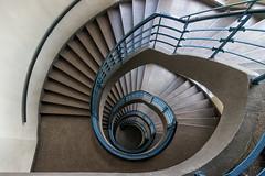 Hamburg Stairs (michael_hamburg69) Tags: hamburg germany deutschland treppe stairs school schule photowalkmitelbmaedchen unterwegsmitjutta blaue blue geländer handrail architekt fritzschumacher 19281929 staircase