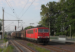 Stasi-Container (Schwanzus_Longus) Tags: 155 bahn br cable cars central container db ddr deutsche dr east electric engine flat freight gdr german loco locomotive pipes railroad railway station steel tracks train trains reichsbahn br155 kabelcontainer eystrup germany old classic vintage cargo