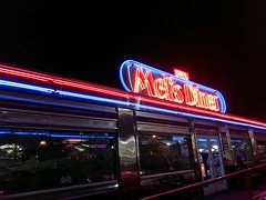 After Show Dinner at Mel's Diner (norvegia2005sara) Tags: mels melsdinerpigeonforge melsdiner diner dinner food pigeonforge pigeonforgetennessee norvegiasara 2018 usa2018 trip travel vacation landoffreedom homefarfromhome ourparadise ourrefuge poerinis usa america tn tennessee gsm greatsmokymountainsnationalpark np countryside mountains mountainscall
