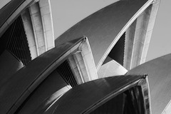 Opera House curves (LSydney) Tags: sydneyoperahouse bw blackandwhite monochrome sydney