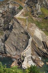 Las escaleras de San Juan (Kasabox) Tags: euskadi vasco gaztelugatxe gaztelugache stairs escalera piedra stone natura nature isla island islote cantabrico