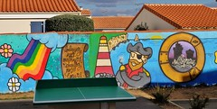 Graffiti école de Puilboreau (thierry llansades) Tags: graf graffiti graff graffitis graffs grafs graphisme spray saintonge streetart aunis atlantic atlantique aerosol puilboreau rompsay larochelle mur murs mural girl ecolier ecoliere ecole school teen colors couleu couleurs