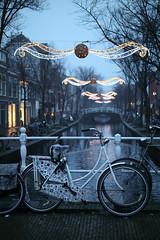 20181216-Canon EOS M5-5470 (Bartek Rozanski) Tags: delft zuidholland netherlands holland nederland historic gate oostport bicycle evening town urban architecture channel decoration lights seasonal christmas